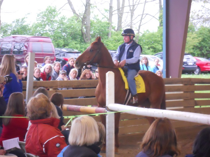 In the evening, we went to Thoroughbreds for All where hall of farm jockey Chris McCarron blithely rode a pretty fresh chestnut tb who was a little intimidated by the crowd.  He spoke while he did it.  He was wonderful!  We wished we could have stayed for the whole program, but we had dinner plans